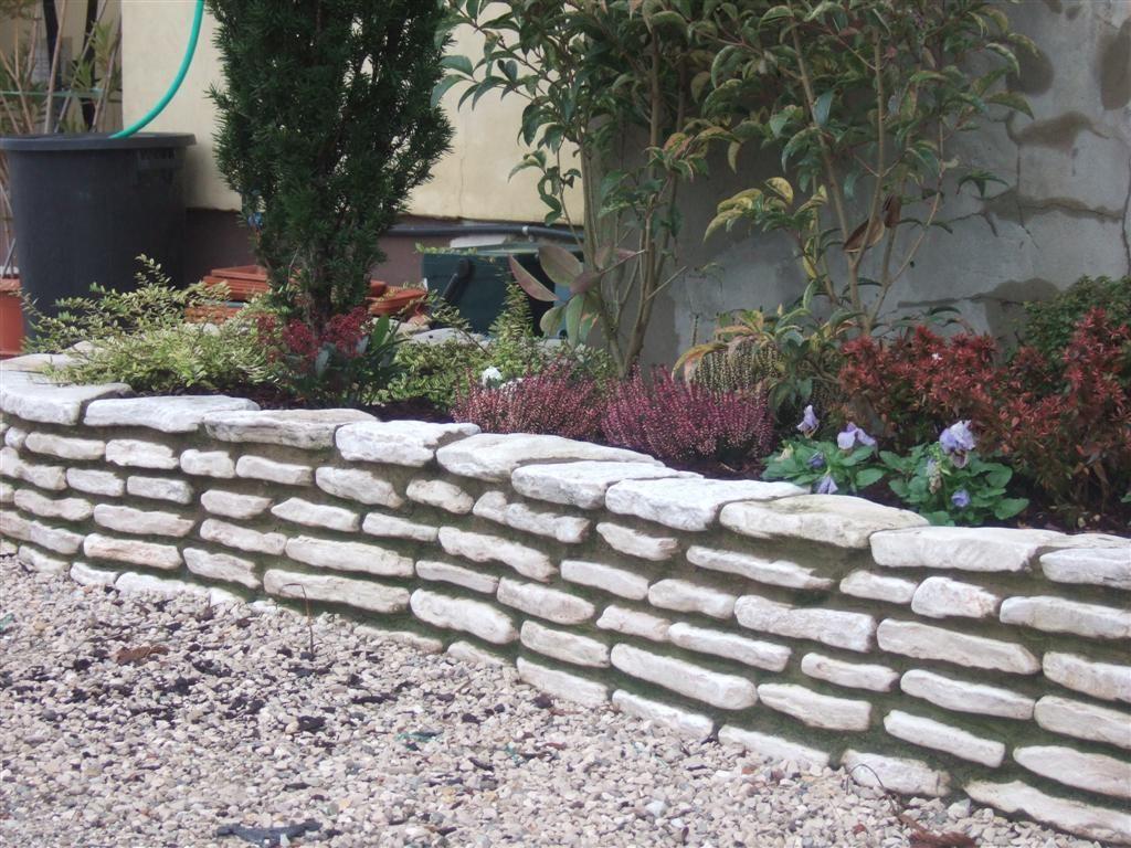 Allestimento aiuole casette tettoie pergole in legno - Muretti per giardino ...